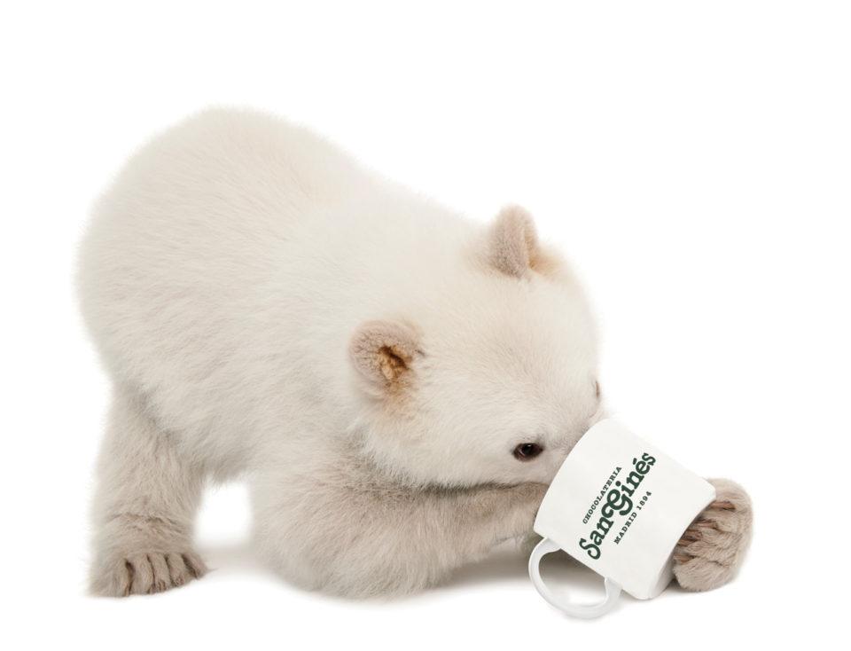 Mascota San Ginés con taza
